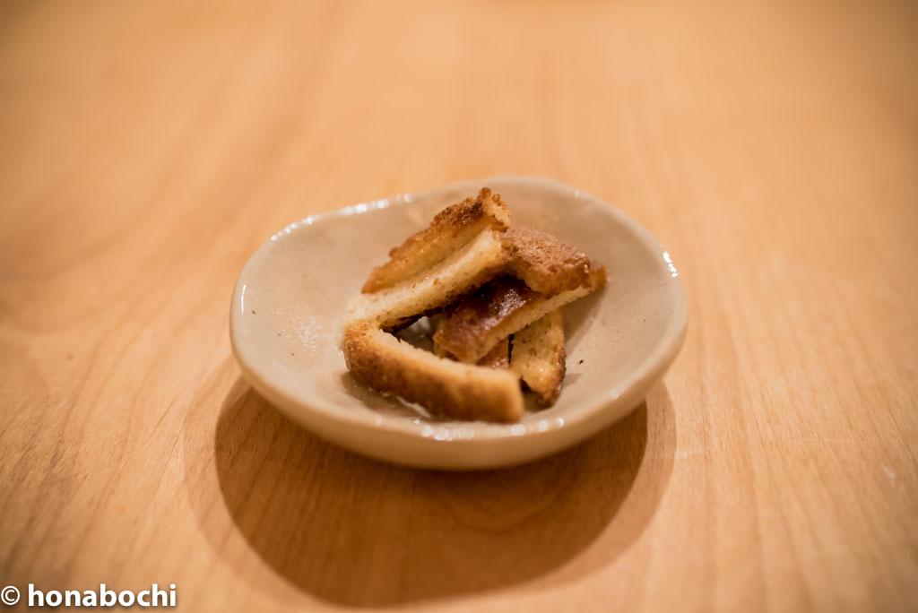美味しい贅沢おやつに!パンの耳で作る簡単ラスク